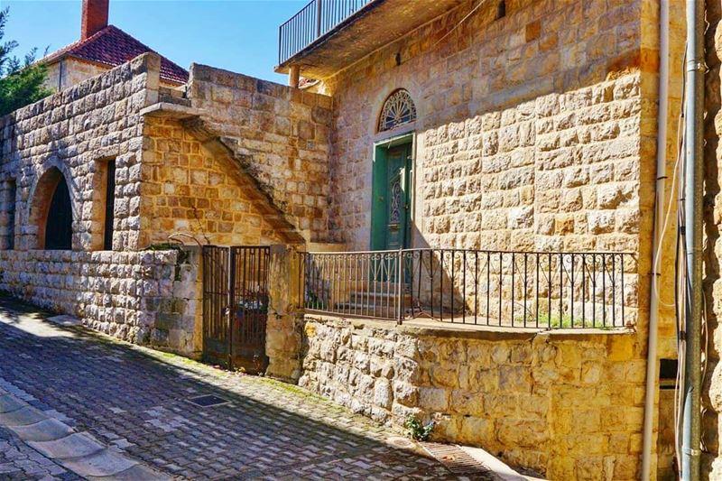 El Mokhtara mokhtara oldstreet oldhouse shouf chouf lebanon Liban ...