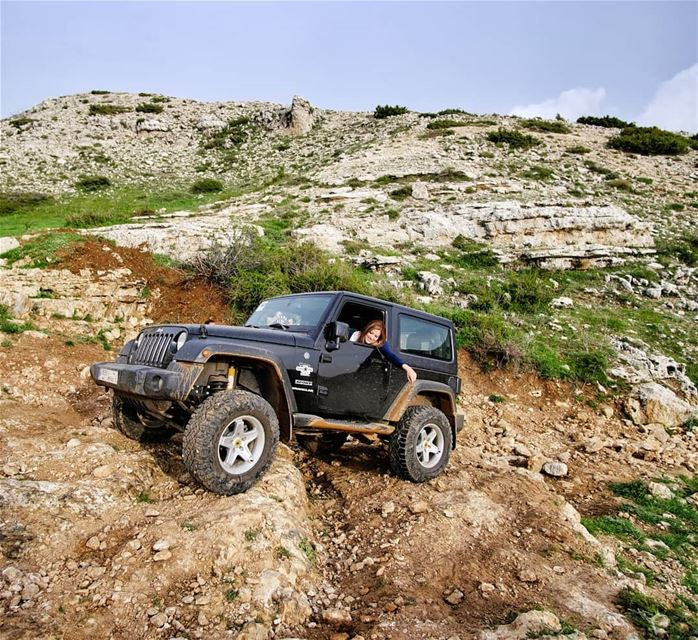 O|||||||O HER on the rocks lebanon mountains jeep offroad wrangler ...