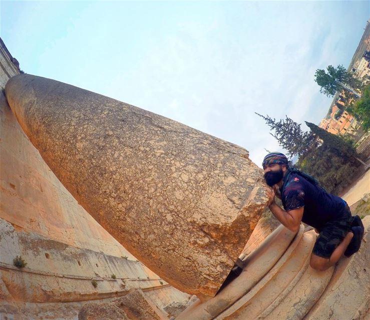 Mission Cléopatre AstérixetObélix potionmagique baalbeck fun strong ... (Baalbek , Roman Temple , Lebanon)