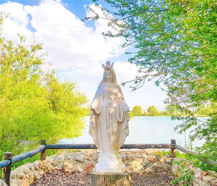 1st of May: Holy month of Mary. 🙏🏻 (Deïr Taanâyel, Béqaa, Lebanon)