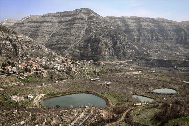 Early summer portraits @liveloveakoura (Akoura, Mont-Liban, Lebanon)