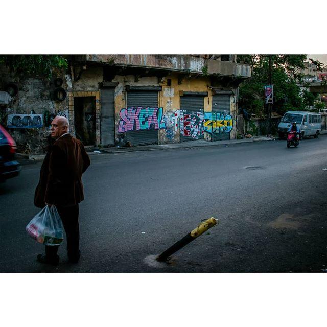 بيروتيات graffiti lebanon street urban streetphoto graffitiart ... (Bachoura, Beyrouth, Lebanon)