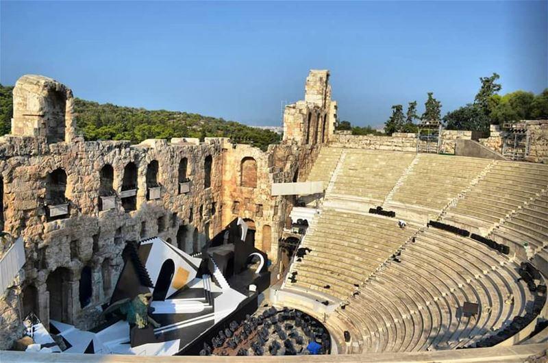Now showing........ travelawesome exploretheglobe worlderlust... (Parthenon, Acropolis, Athen, Greece.)