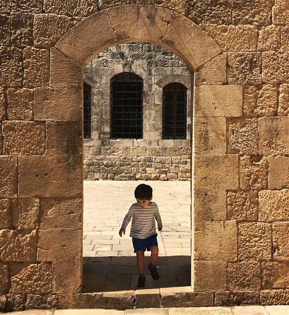 ~..Le petit prince..~🤴🏾🇱🇧 lepetitprince castle beiteldine ... (Beit Ed-Deen, Mont-Liban, Lebanon)