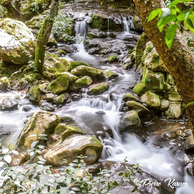 amazing escape baakline flow longexposure river ... hiking ... (Baaklein)
