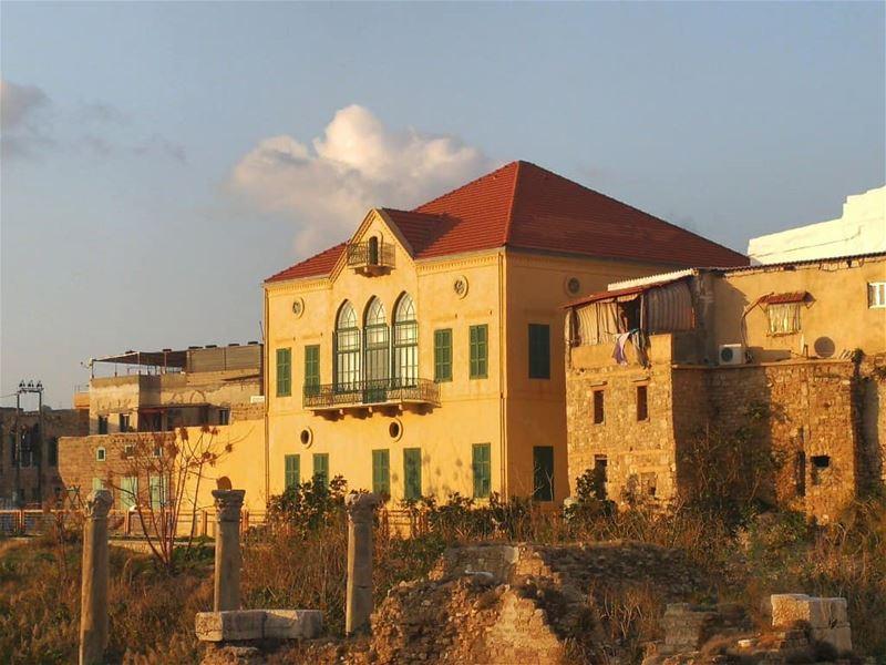 tyre libanon sunset lebanonhouses windows doors lebanonshots... (Tyre, Lebanon)