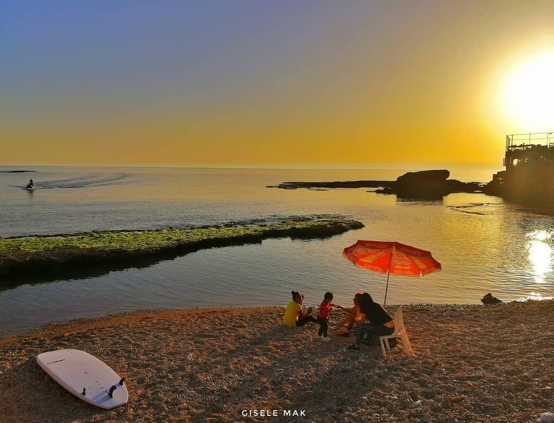 Chasing burning sunsets. beach seaview sealife sunset horizon jetski... (Batroûn)