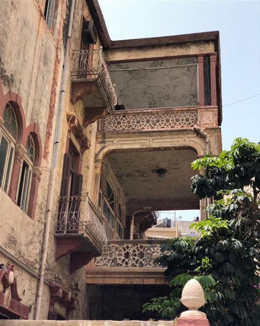 Here and there glimpses of the Old Beirut. traditionalhomes highceilings...