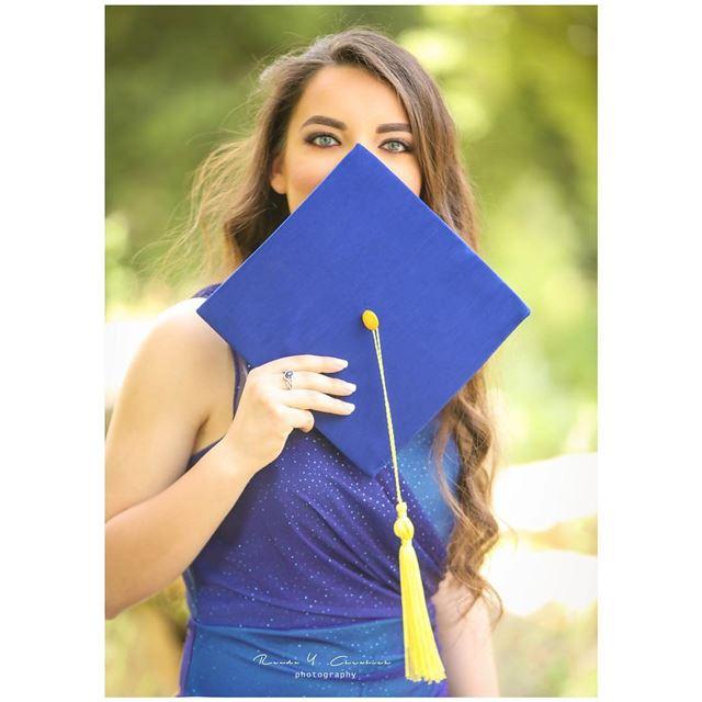 👩🏻🎓😎📸 finallygraduated congratsgrad randaychrabiehphotography ...