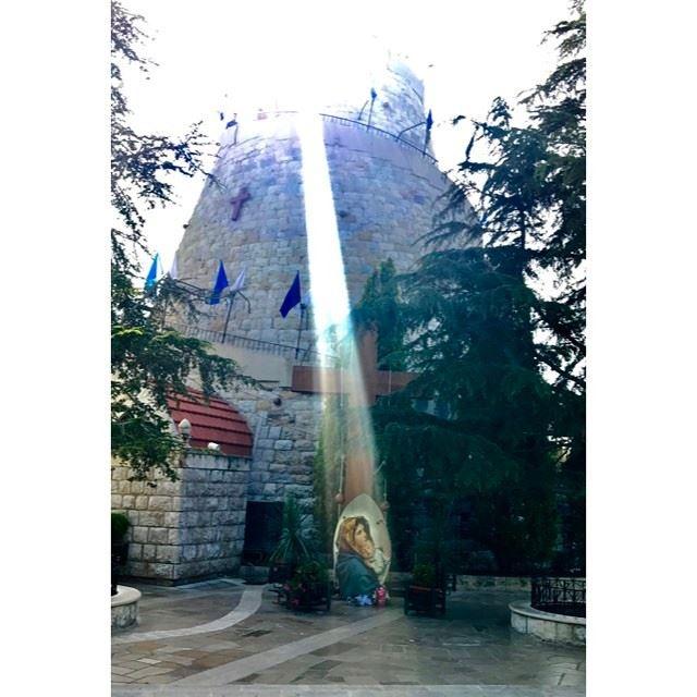 Mother Mary's Light of Love ✨❤️🌹🙏🏻 harissa ladyoflebanon lightoflove... (Harîssa, Mont-Liban, Lebanon)