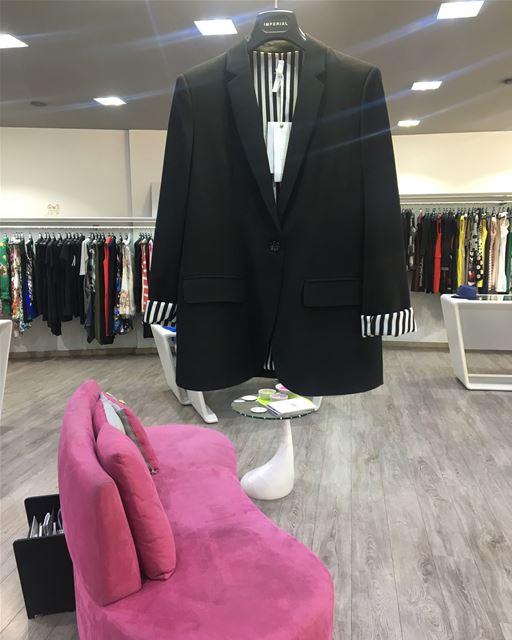 Black blazer with b&w liningDailySketchLook 302 shopping italian ... (Er Râbié, Mont-Liban, Lebanon)