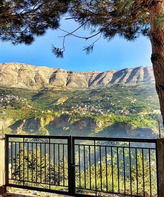 livelovebcharre lebanoninapicture ptk_lebanon livelovebeirut ... (Bcharreh, Liban-Nord, Lebanon)