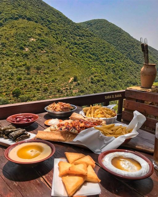 Lunch with a majestic view 🙈🤤 (South of Lebanon)