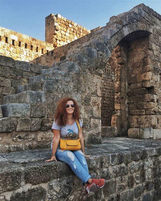 2 года назад ради любви к ливанскому армянину я бросила престижную работу,... (Citadel of Raymond de Saint-Gilles)