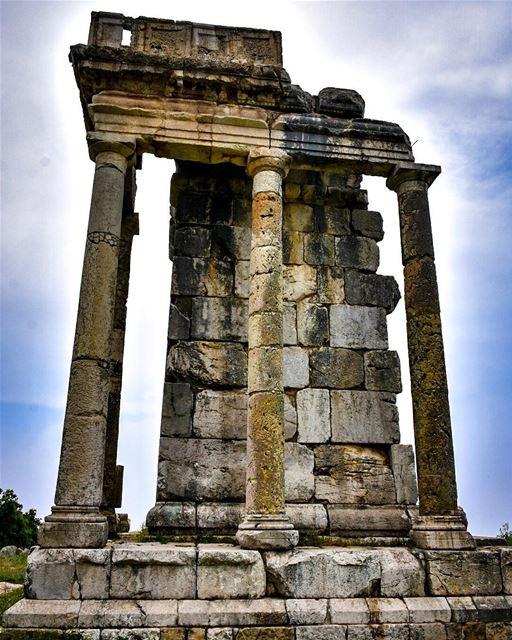 The Altar of Machnaka dedicated to Adonis / Adon -📍Machnaka, Lebanon 🇱🇧 (El Machnaka, Mont-Liban, Lebanon)