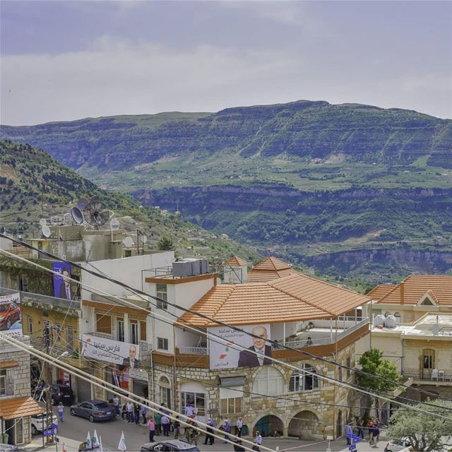 Swipe to see the Panorama view from @liveloveqartaba 🙋‍♂️🇱🇧🇱🇧🇱🇧..... (Qartaba)