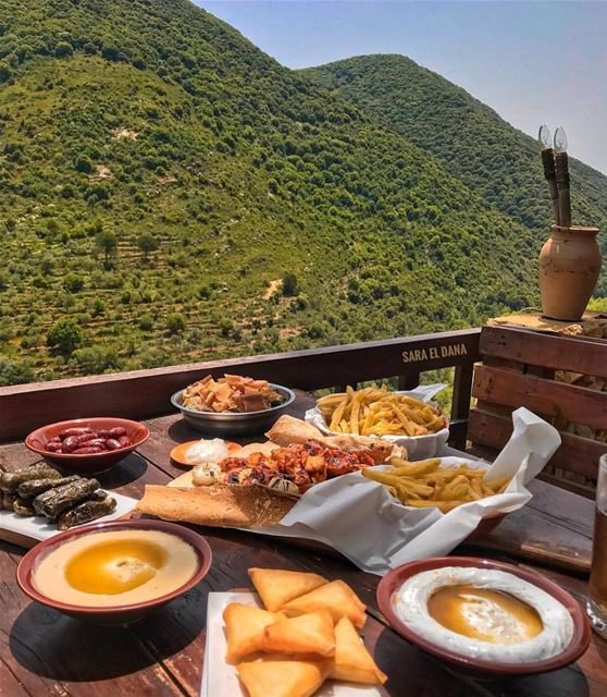 Lunch with a majestic view 📸 @sara_eldana lebanon view nature pove... (South of Lebanon)