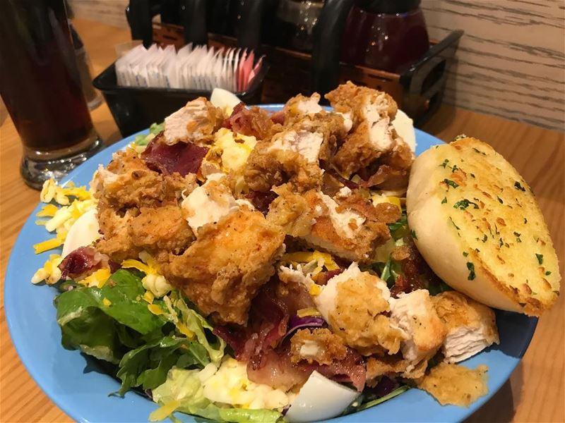 Chicken salad 👹.... sooooo many ingredients @ihop chickensalad salad ... (IHOP)
