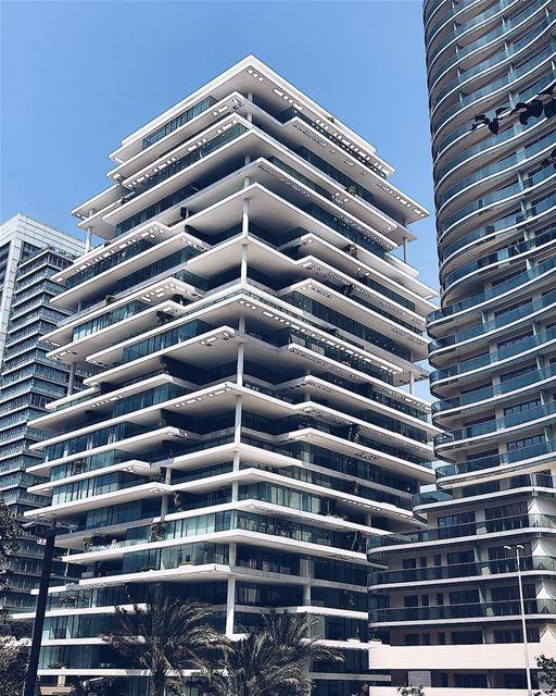 Esses edifícios incríveis que só podemos encontrar em Beirute. Foto de @blo (Beirut Terraces)