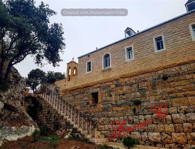 sterafka blessedplace prayinsilence amazingview wonderfulnature ... (Aïtou, Liban-Nord, Lebanon)