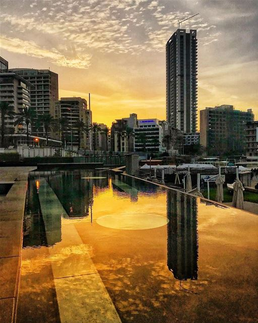 A peaceful Lebanese Evening 😍💛By @ahmad_halablab ZaytounaBay ... (Zaitunay Bay)