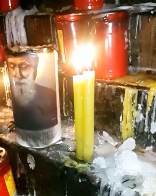 Desejamos a todos uma boa noite de oração a São Charbel, aniversariante do... (Annâya, Mont-Liban, Lebanon)