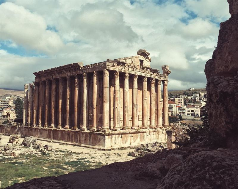 Temple of Bachus 🍷🍇 lebanon livelovelebanon baalbek baalbeck balbek... (Baalbek , Roman Temple , Lebanon)