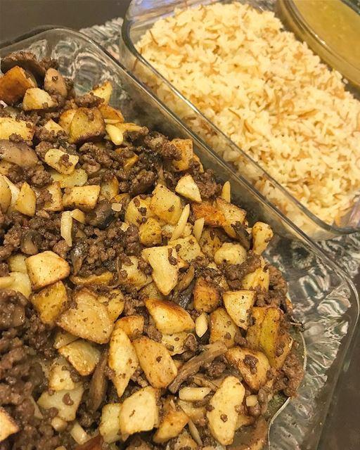 بطاطا على لحمة و فطر 🍄1/2 كيلو من اللحم المفروم4 بطاطا كبيرة مقطعة بشكل...