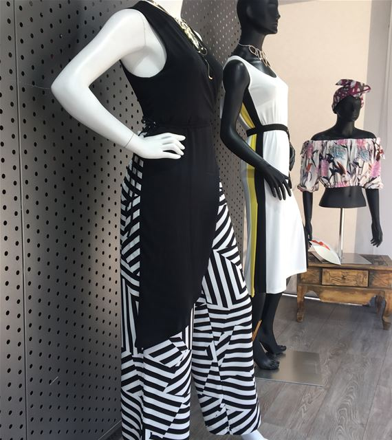 Jumpsuit back n whiteAvailable in navy and white as wellDailySketchLook... (Er Râbié, Mont-Liban, Lebanon)