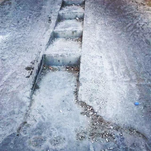 ~.. Lebanese Moments stairs..~ 🎹🇱🇧 lebanon lebanontraveler ... (Lebanon)