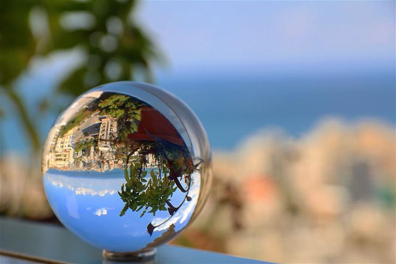 See the world through different eyes!!!••••• photooftheday ... (Naccache)