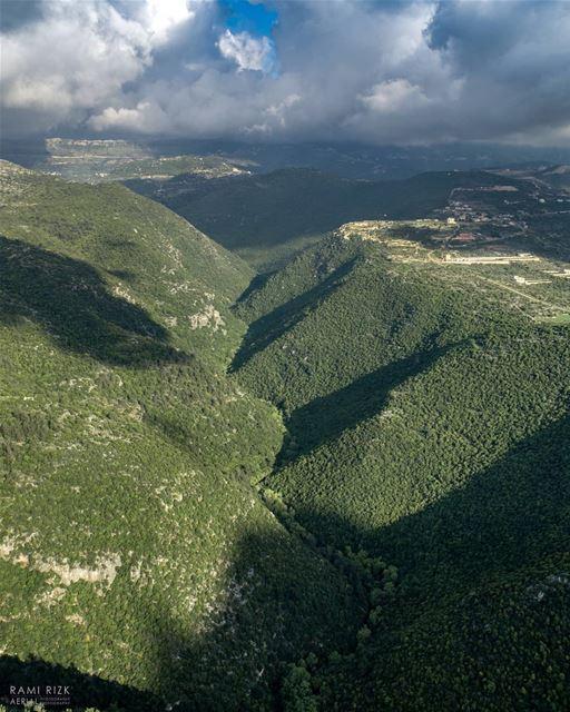 Green Valley @livelove.jezzine ... lebanon jezzine dji drones ... (Jezzîne, Al Janub, Lebanon)