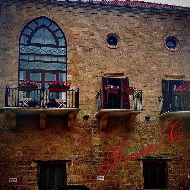 oldhouses oldcities lebanesevillages lebanesehouses تراثنا_فخرنا ... (Batroûn)