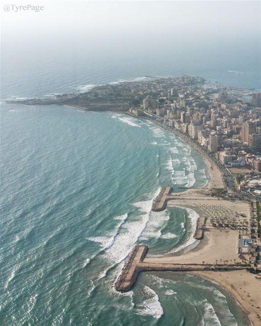 صباح الخير، لطالما كانت مدينة صور عبر تاريخها المديد تتغنى بجمال شواطئها وس (Tyre, Lebanon)