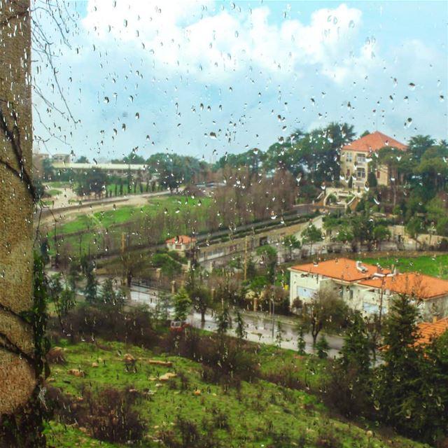 شتي أو صحو؟ ☔⛱مشمسة ؟ لأ غيمت ☀️🌥 لأ عصفت🌦⚡شوب أو مش شوب؟ صيفية؟ لأ رج (Sawfar, Mont-Liban, Lebanon)
