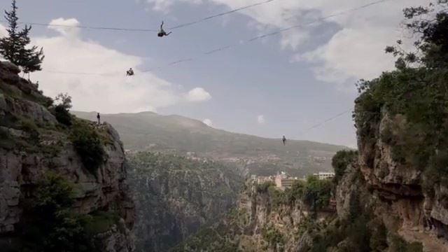 Após seis meses de preparação, atletas de 22 países diferentes escalaram... (Bcharreh, Liban-Nord, Lebanon)