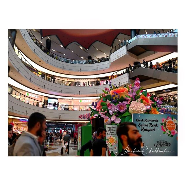 The mall - ichalhoub in gaziantep Turkey shooting with a mobile phone ...