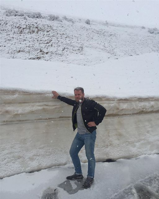 Middle East snow in the middle of May 🤷🏼‍♂️ lebanon liban snow ... (القرنة السودة)