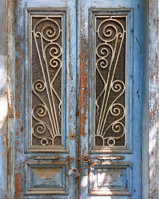 forever locked up 🔓•• ihavethisthingwithbeirut urban ... (Beirut, Lebanon)