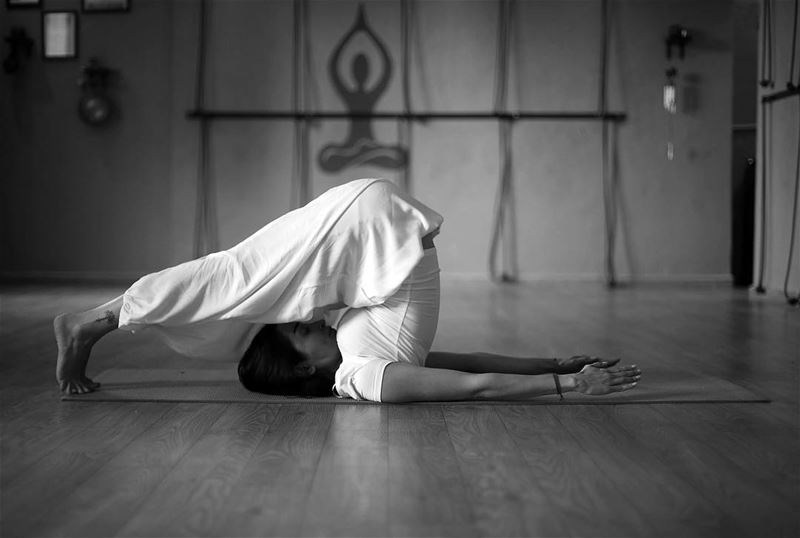 The Beautiful yoga instructor @sophie.zebian ————————————————————————The...