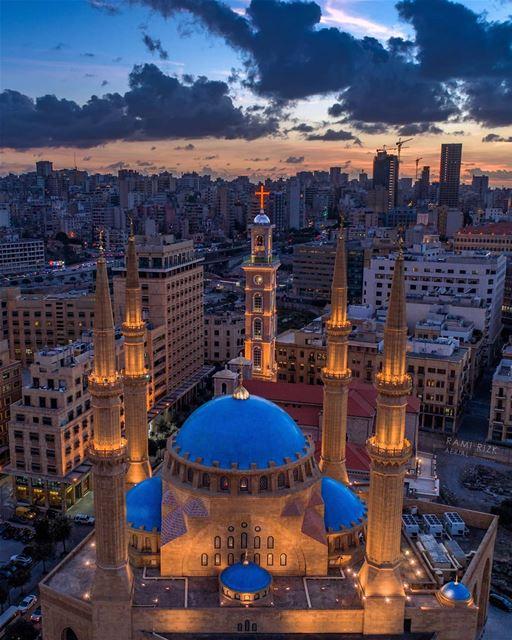 رمضان كريم 🌙💙... lebanon beirut downtown mosque church ... (Mohammad Al-Amin Mosque)