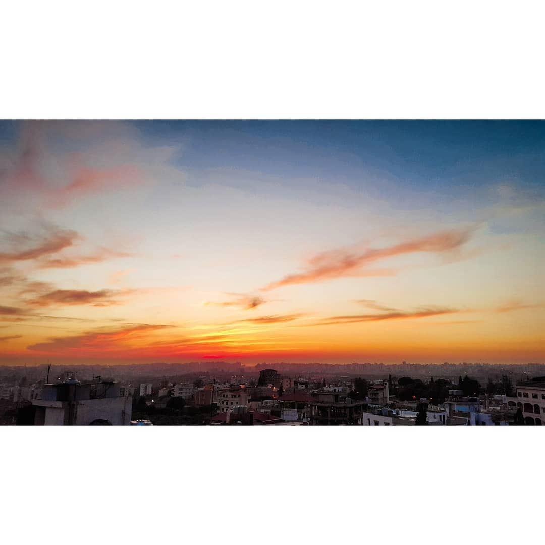 sunset sunsets sunsetstrokes sky on fire onfire nature naturephotography... (Majdalayya, Liban-Nord, Lebanon)