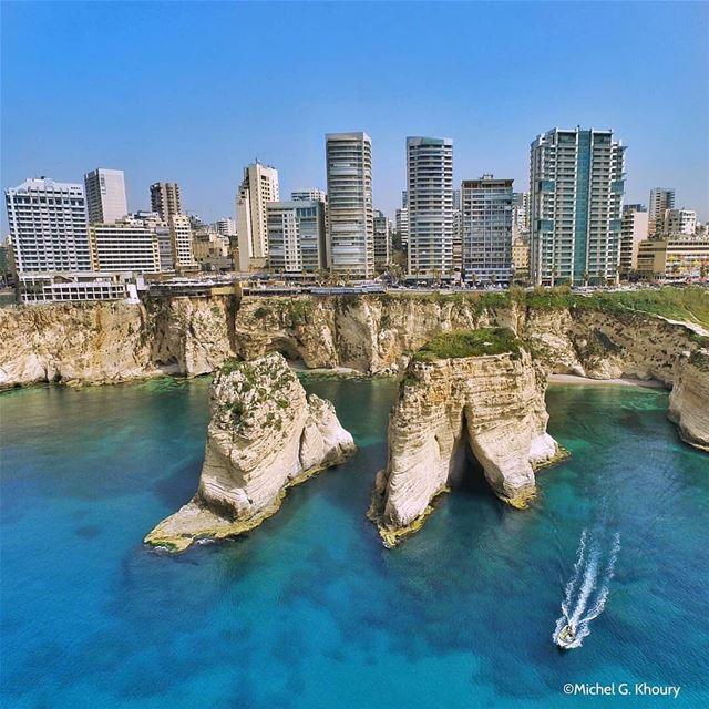 B E I R U T ❤Reposting one of my favorite shots .By @michokhoury ... (Raouche Rock , Beirut , Lebanon)
