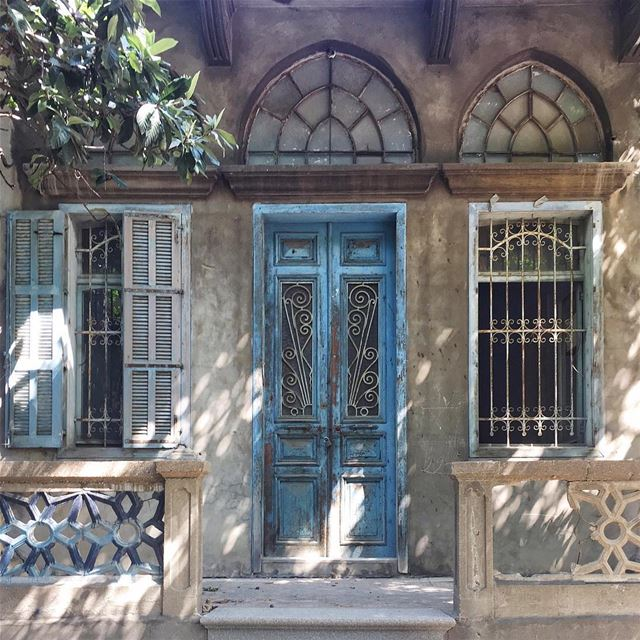 creeping sunlight ☀️ (Beirut, Lebanon)
