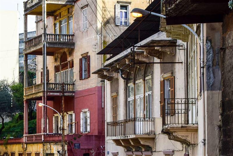 في اليوم العالمي للتراث لنتذكر ما خسرته مدينة بيروت من ارث وحضارة وتراث......