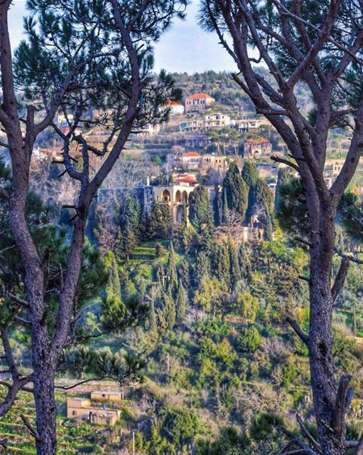 Chase away the fakeHold on to the genuineSuch a beautiful difference it... (Beit Ed-Deen, Mont-Liban, Lebanon)