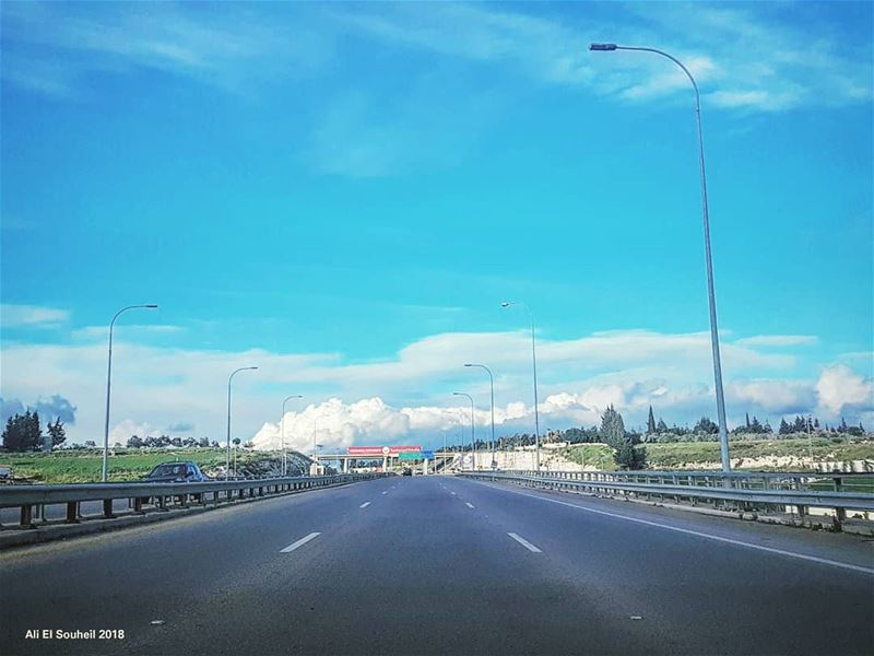 tb  southlebanon  highway  sky  clouds  colorful  livelovelebanon ... (Daoudiyé)