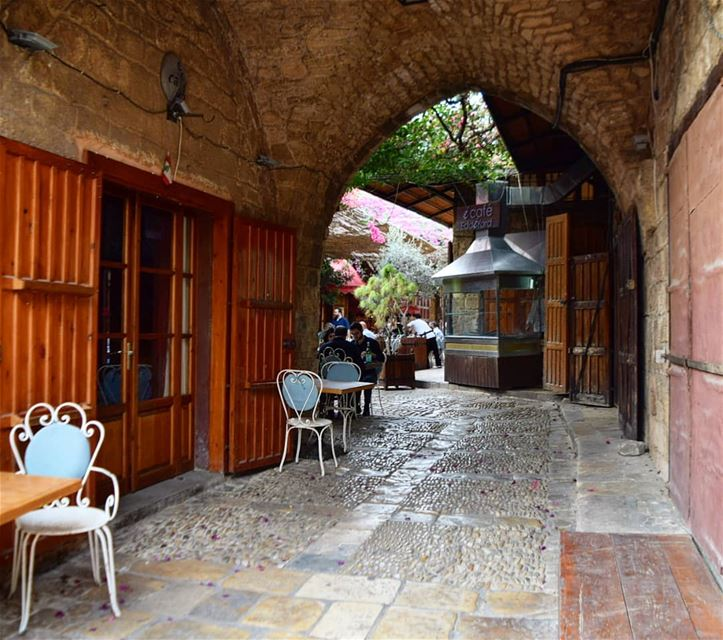 good morning 💜 byblos  jbeil  Lebanon  لبنان  eddeyard  oldsouk ... (Byblos, Lebanon)