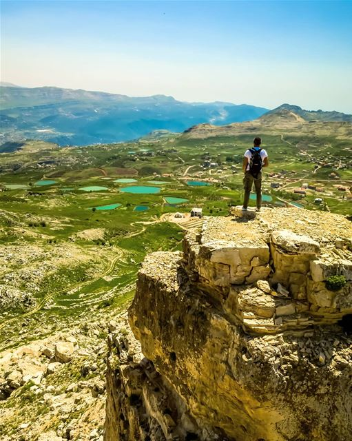 The major mistake that everybody makes is waiting ... waiting for somebody... (El Laqloûq, Mont-Liban, Lebanon)