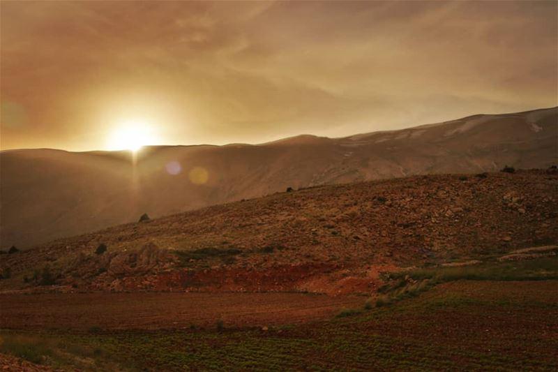 The beauty of nature. lebanon sun sunset nature mountains ... (Oyoun oreghoch)